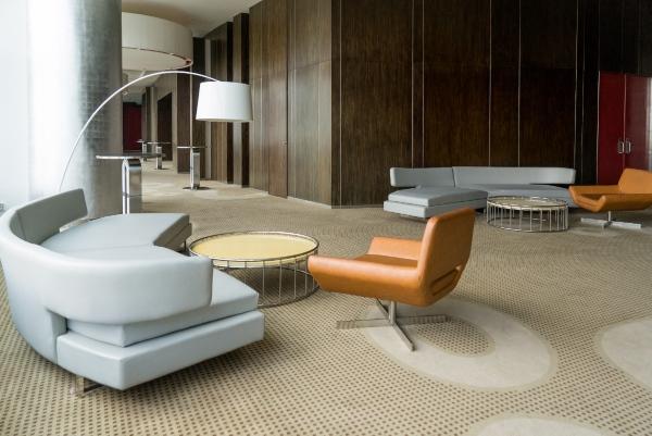 Beneficios de elegir cuero para los muebles de tu hotel o restaurante
