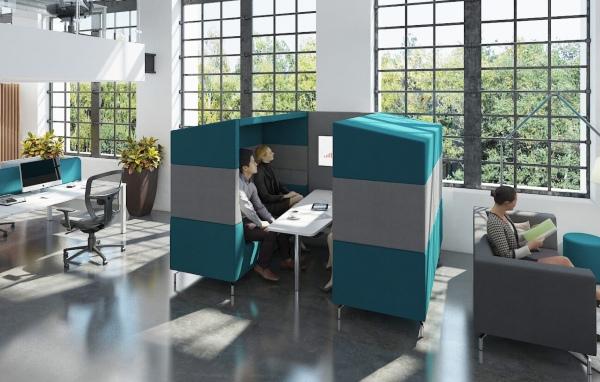Muebles tapizados para crear ambientes privados en oficinas