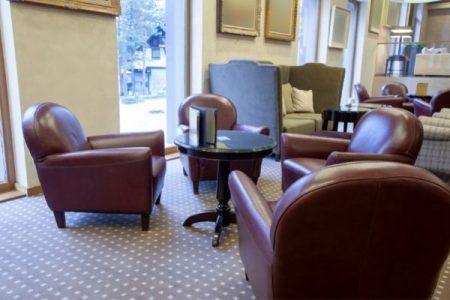 Cuidados de la tapicería de piel para hoteles y restaurantes